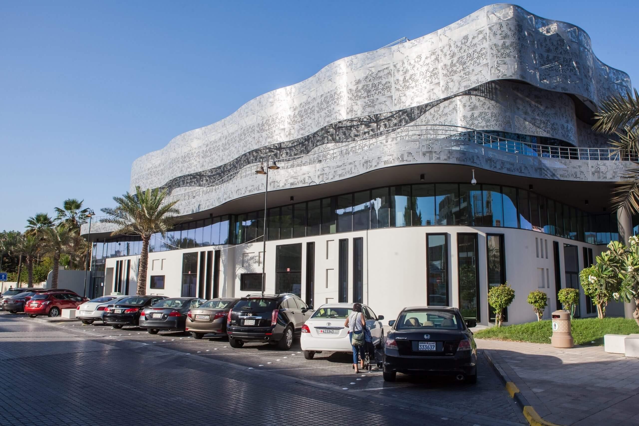 """شركة إدامة تطلق مجمع """"ذا ترمينال"""" لمواقف السيارات بتكلفة 7.6 مليون دينار بحريني"""