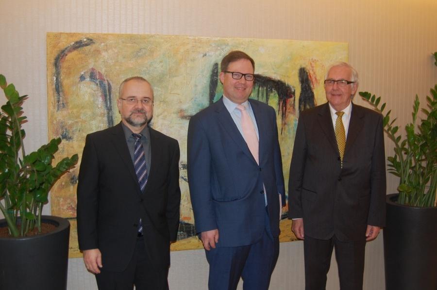 Economic Development Board Hosts German Journalists