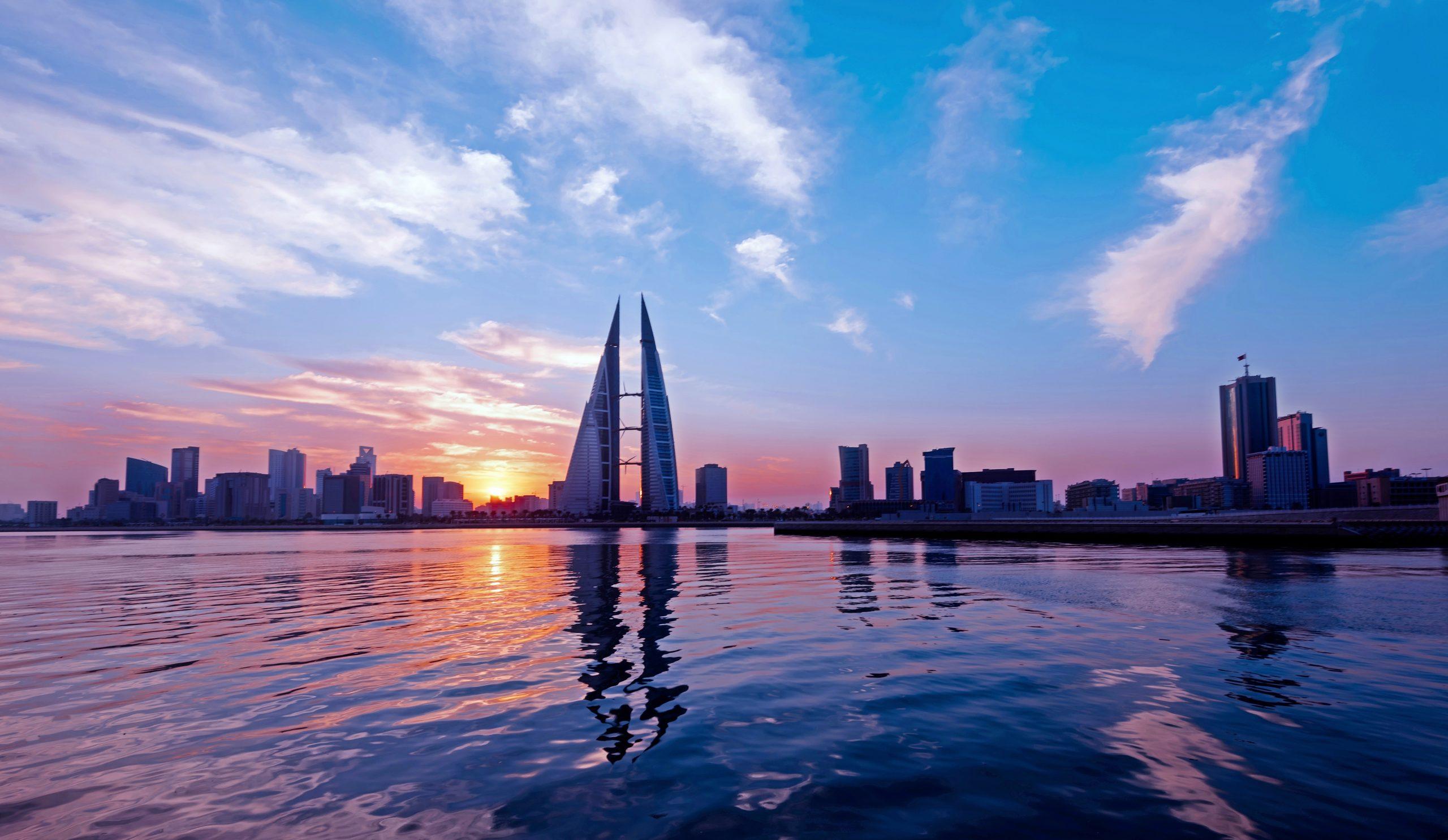 """""""إتش إس بي سي"""": البحرين تتصدر دول المنطقة كوجهة مميزة للأعمال بحسب آراء المغتربين"""